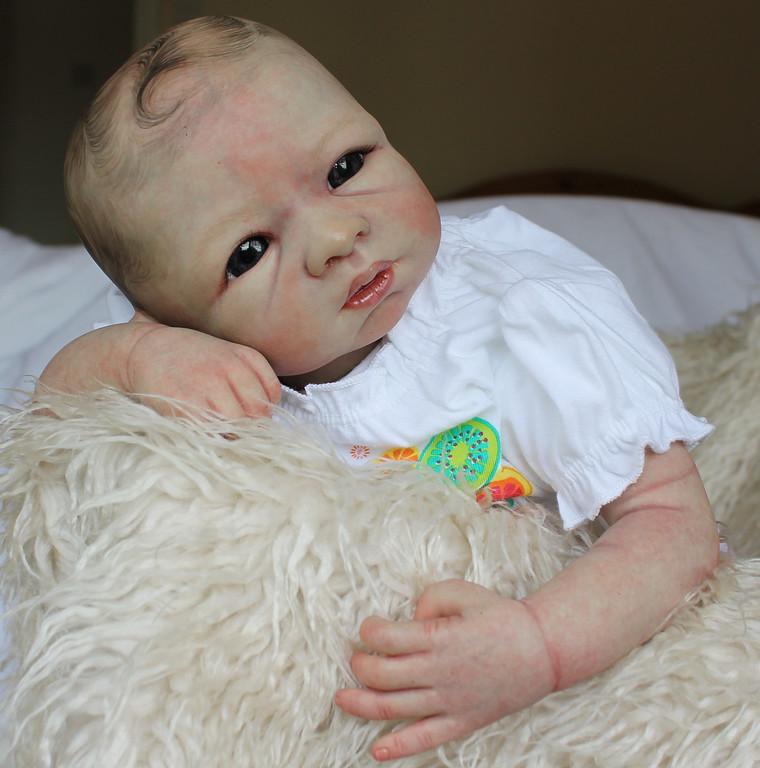 Beautiful Reborn Newborn Baby Girl Doll 'Hilary' Sculpted by Cathy Rowland